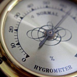Hygromètre ancien / Raphael Schaller / Pixabay