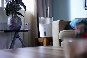 Humidificateur Philips HU4803/01 dans une pièce